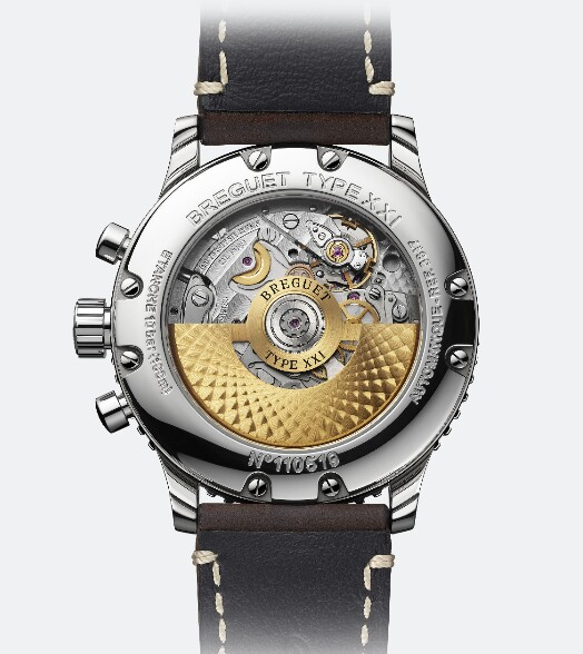 Through the transparent caseback, you will appreciate the beauty of the movement.