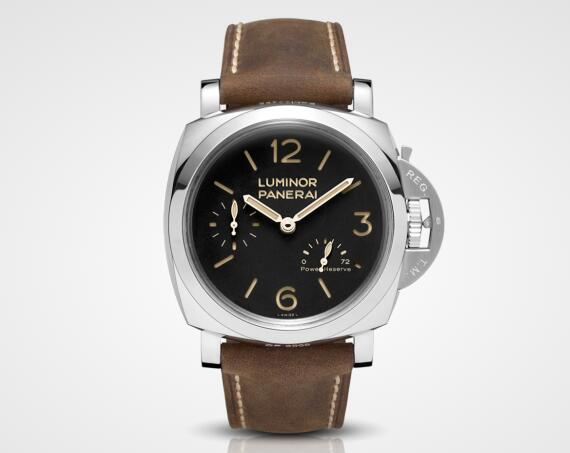 The large size of the case makes the watch look more generous and stronger.