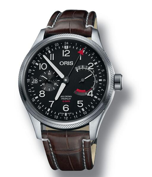 The red GMT pointer display the second time zone on the 24-hour disc, allowing the global travelers to know the time in hometown.