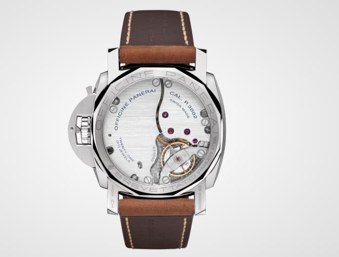 The beauty of the movement could be appreciated through the transparent caseback.