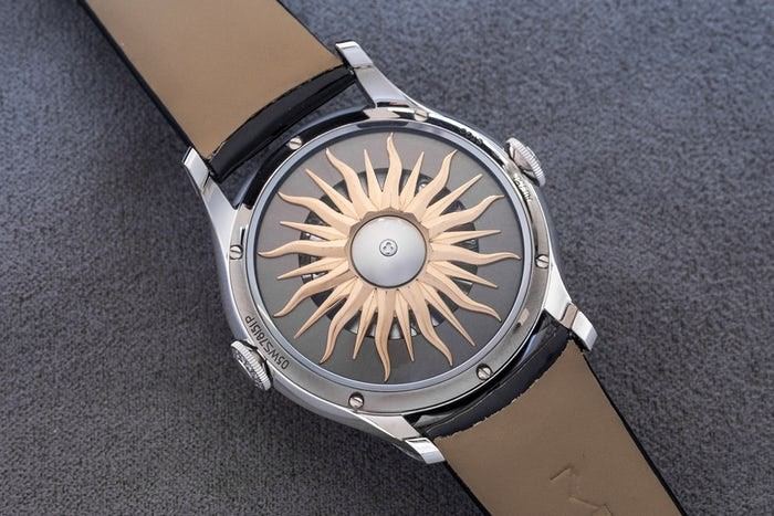 The caseback with the sunray pattern is also amazing.