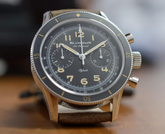 Blancpain Air Command sports a distinctive look of retro style.